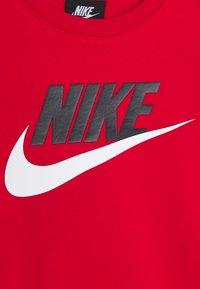 Nike Sportswear - CLUB CREW - Sweatshirt - university red - 3