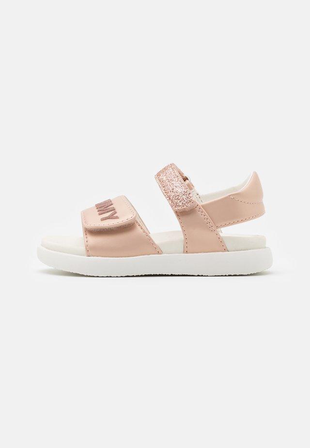 Sandály - nude/powder pink