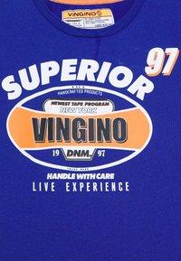 Vingino - HAJARI - Print T-shirt - italian blue - 2