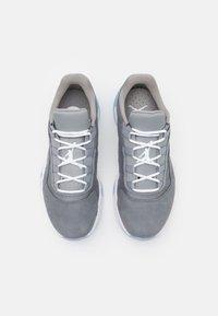 Jordan - AIR 11 CMFT - Tenisky - cool grey/white/med grey - 3