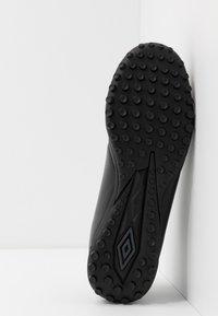 Umbro - MEDUSÆ III CLUB TF - Astro turf trainers - black/carbon - 4