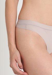 Calvin Klein Underwear - THONG - Thong - grey - 4