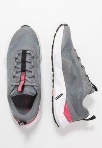 Columbia - FACET15 - Outdoorschoenen - grey steel/rouge pink - 1
