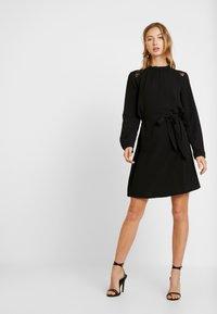 ONLY - ONLMILA BELT DRESS - Robe d'été - black - 2