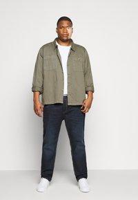TOM TAILOR MEN PLUS - Straight leg jeans - dark stone wash denim - 1