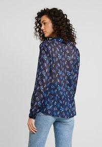 YAS - YASRICHA - Button-down blouse - navy blazer - 2