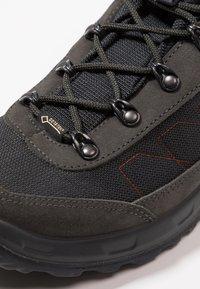 Lowa - TAURUS II GTX MID - Hiking shoes - anthrazit - 5