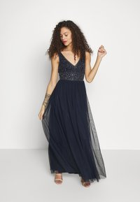 Lace & Beads Petite - MUMULAN MAXI - Vestido de fiesta - navy - 0