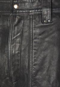 Diesel - SHANTY TROUSERS - Shorts - black - 2