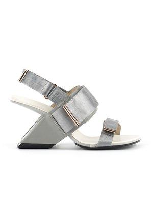 LOOP RUN - High heeled sandals - composite
