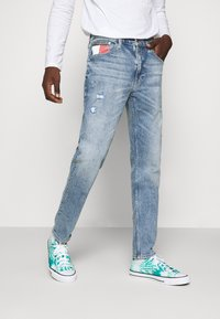Tommy Jeans - REY RELAXED TAPERED - Jean boyfriend - philly light blue comfort dest - 0