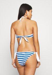 Max Mara Leisure - FIGURA TRIANGLE - Bikini top - weiß - 2