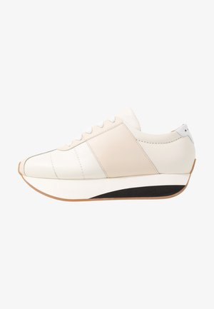 Trainers - stone white/white