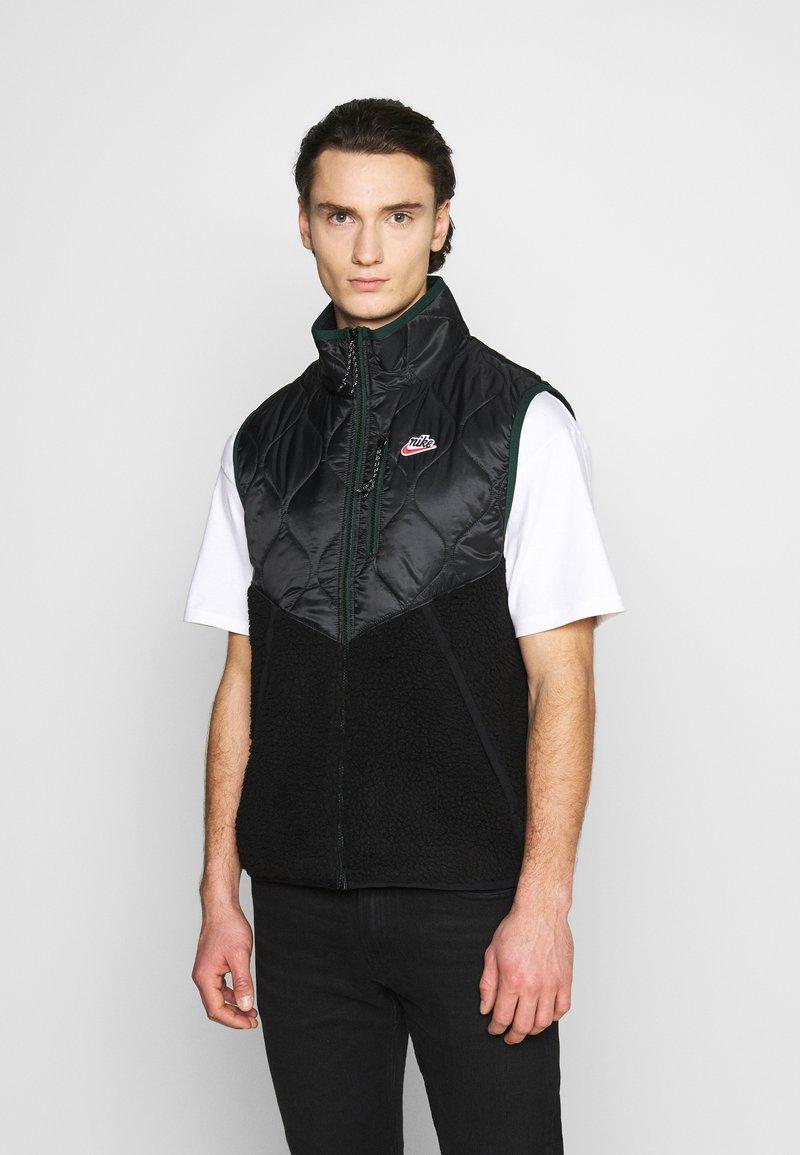 Nike Sportswear - Waistcoat - black/black/pro green