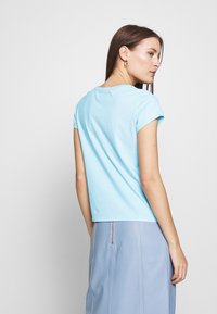 Abercrombie & Fitch - LONG LIFE LOGO  - Print T-shirt - light blue - 2