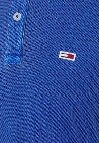 Tommy Jeans - GARMENT DYE - Polo shirt - blue - 6