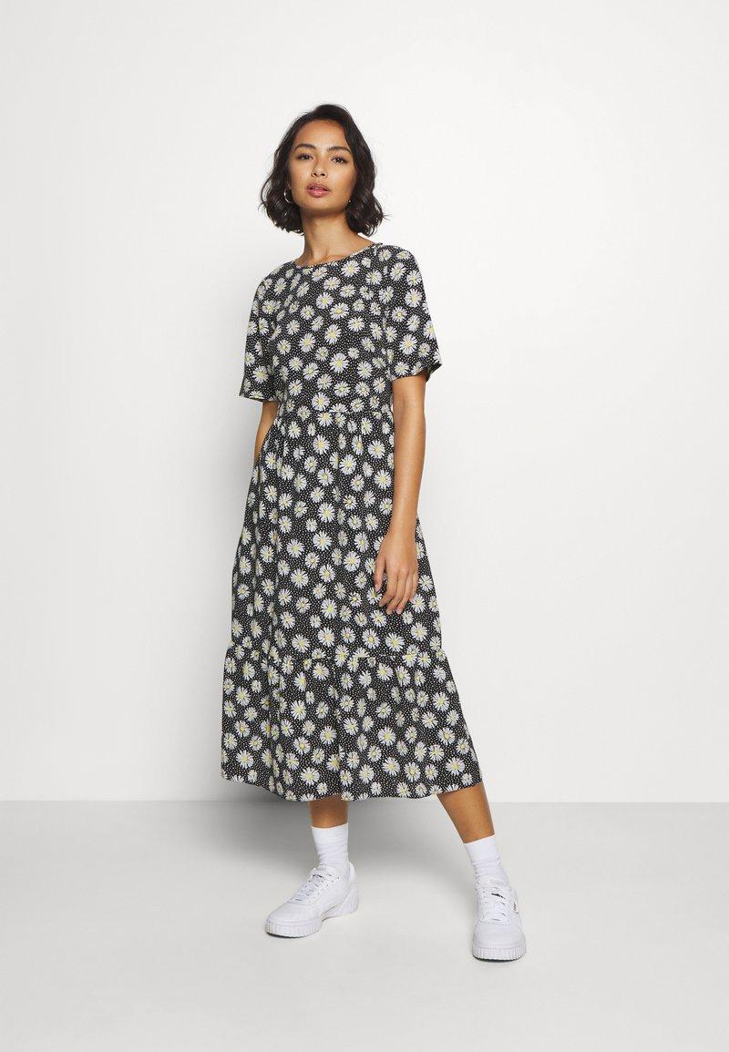 Dorothy Perkins Petite - DAISY SPOT MIDI DRESS - Denní šaty - black