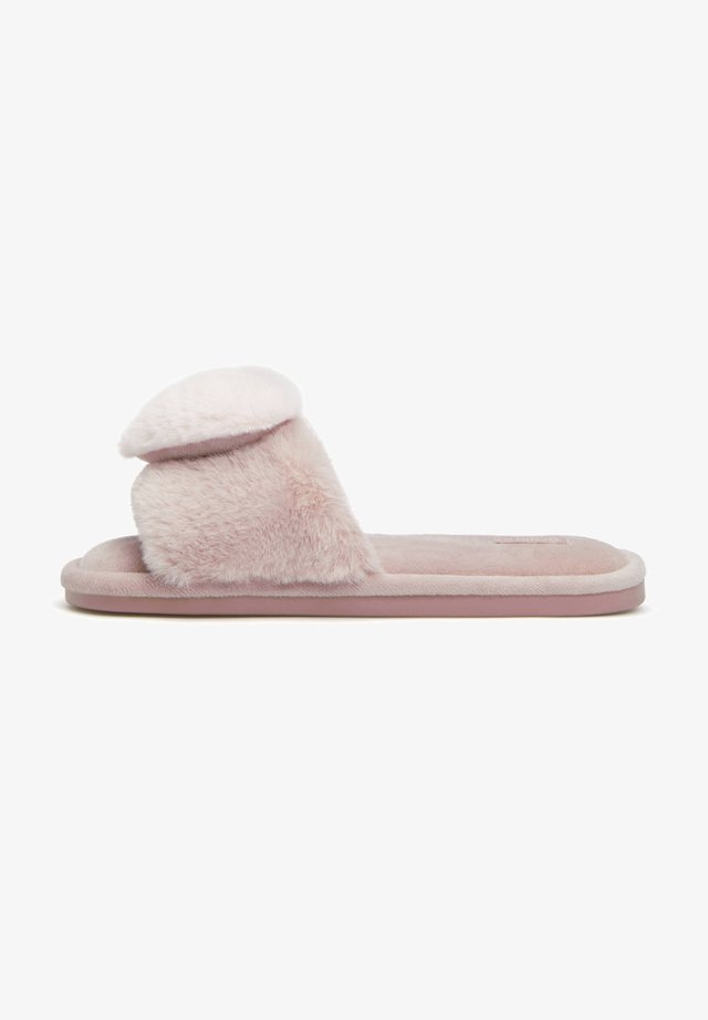 FLUFFY HEART - Chaussons - rose