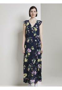 TOM TAILOR DENIM - MIT FLORALEM PRINT - Maxi dress - navy blue - 0