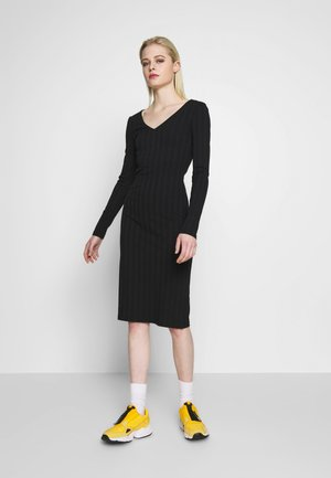PCNING DRESS - Shift dress - black