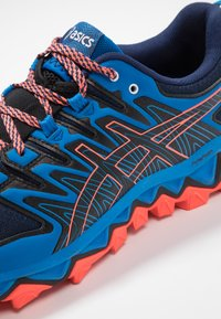 ASICS - GEL-FUJITRABUCO 7 - Chaussures de running - blue expanse/electric blue - 5