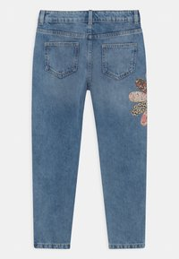 Marks & Spencer London - PATCHWORK  - Relaxed fit jeans - light denim - 1