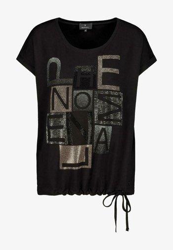 MIT KURZARM UND STRASS-SCHRIFT - Print T-shirt - black