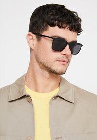 Tommy Hilfiger - Sunglasses - black - 1