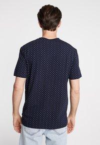 Scotch & Soda - CLASSIC CREWNECK TEE - T-shirt print - dark blue - 2