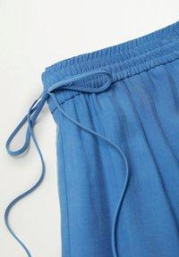 Mango - Trousers - blå - 8