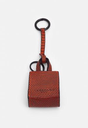 PAPER BAG KEYRING - Avaimenperä - brillant orange