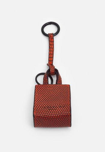 PAPER BAG KEYRING - Keyring - brillant orange
