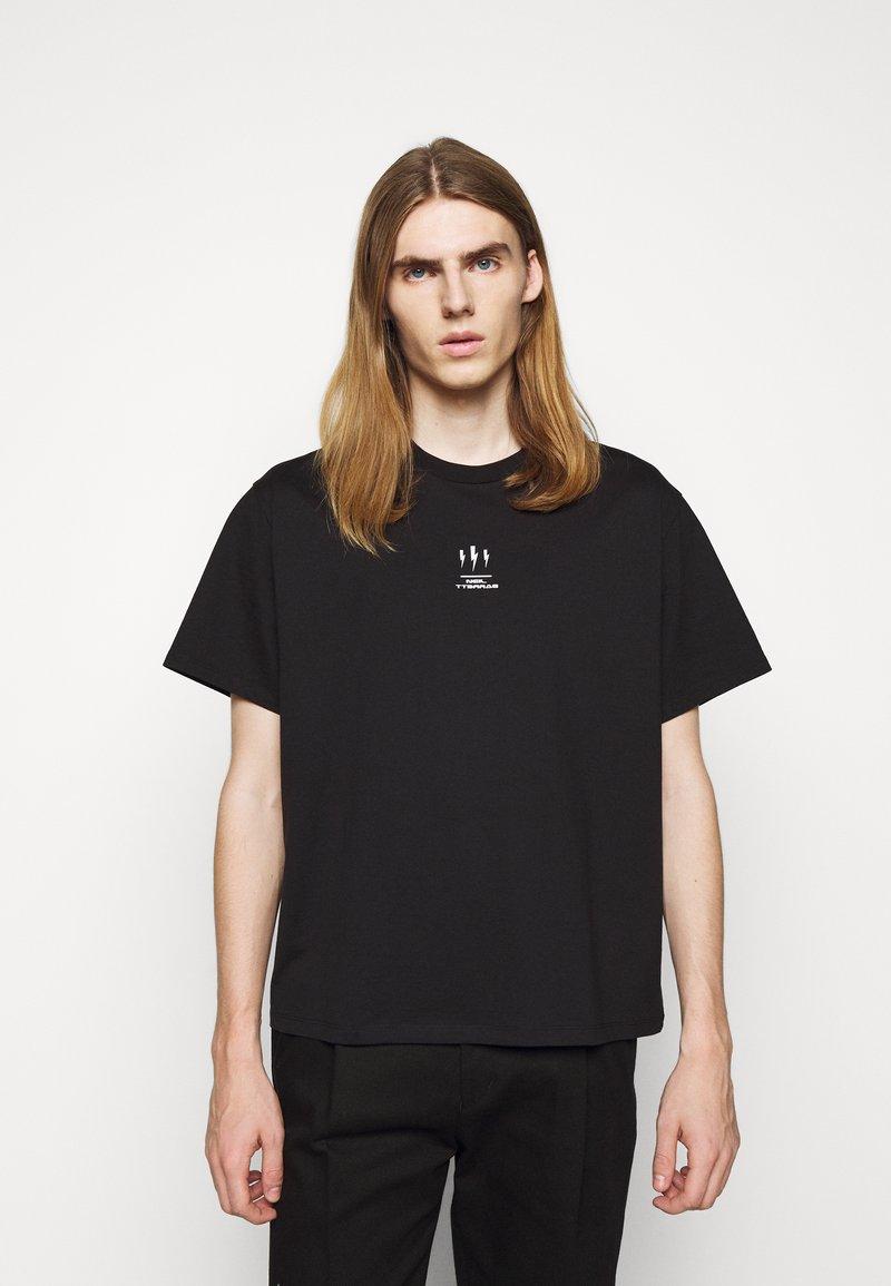 Neil Barrett - TRIPTYCH THUNDER EASY - Print T-shirt - black/white