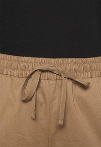 Filippa K - GILLIAN TROUSER - Trousers - muddy brow - 4