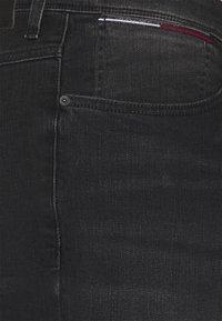 Tommy Jeans Plus - Slim fit jeans - black denim - 6