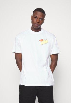 KEEP IT CLEAN TEE - T-shirt z nadrukiem - white