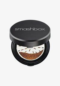 Smashbox - HALO HYDRATING PERFECTING POWDER 15 G - Powder - 795947 dark - 0