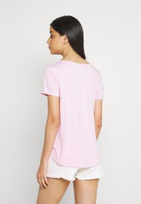 Hollister Co. - EASY MULTIPACK  3 PACK - T-shirt - bas - white/pink mist/xenon blue - 3