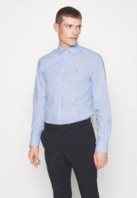 Tommy Hilfiger Tailored - DOBBY DESIGN CLASSIC - Camicia elegante - blue - 0