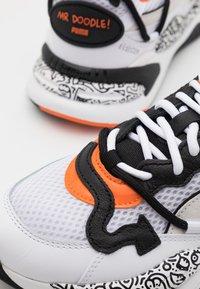 Puma - RS-2K UNISEX - Sneakers basse - white/black/dragon fire - 7