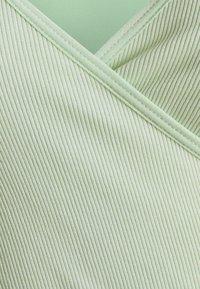 BDG Urban Outfitters - SEAMLESS BALET WRAP - Top sdlouhým rukávem - sage - 2