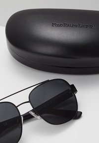 Polo Ralph Lauren - Sunglasses - semishiny black/grey - 3