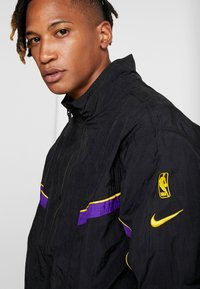Nike Performance - NBA LA LAKERS RETRO TRACKSUIT - Pelipaita - black/field purple - 10