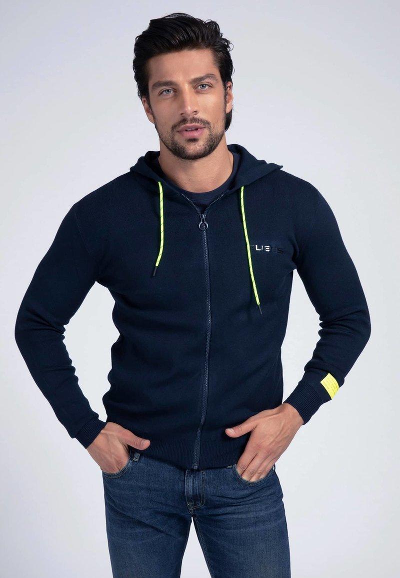 Guess - veste en sweat zippée - blau