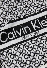 Calvin Klein - SCARF - Scarf - black - 2