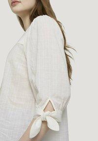 TOM TAILOR DENIM - Blouse - gardenia white - 3