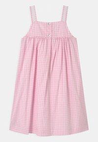 Twin & Chic - VERBENA - Day dress - pink vichy - 1