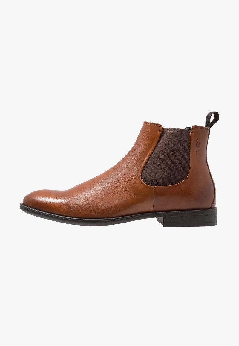 Vagabond - HARVEY - Kotníkové boty - cognac