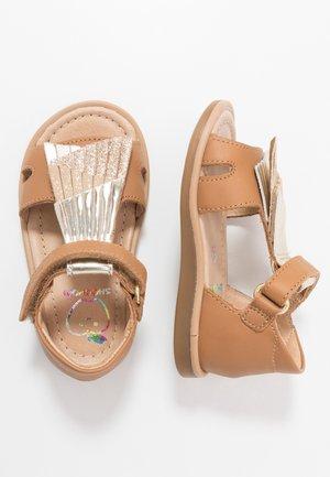 TITY FALLS - Sandals - camel platine