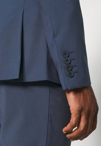 Isaac Dewhirst - PLAIN SMOKEY SUIT - Completo - blue - 11